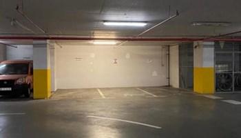Parkirna mjesta u garaži - Radnička cesta (kanal)