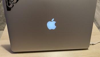 Macbook Pro 15 inca