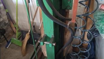 Cjepač za drva 30 T Žminj