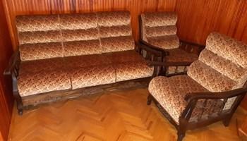 Trosjed na razvlačenje i 2 fotelje(retro)