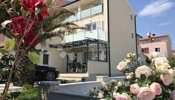 Apartmanska kuća na atraktivnoj lokaciji