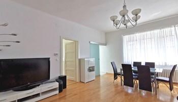 Stan: Zagreb, Britanac, 77 m2, 3S, 1.kat, 77m2, parking, namješteno! (prodaja)