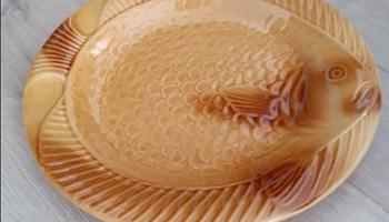 Tanjur u obliku ribe