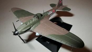 Metalni gotovi model maketa Iljušin Il-2 Diecast DeAgostini
