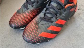 Adidas Predator kopačke broj 40