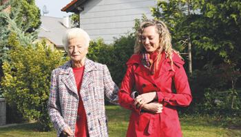 Medicinska sestra za njegu starijih osoba