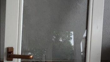Prodajem drveni prozor
