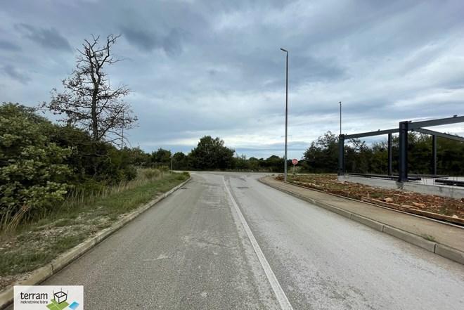 Pula,građevinsko zemljište u poslovnoj zoni 3200m2