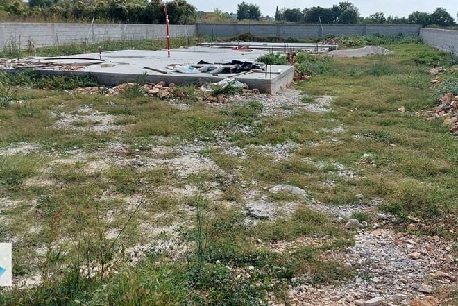 Istra, Vodnjan građevinsko zemljište 1309m2 s građevinskom dozvolom...
