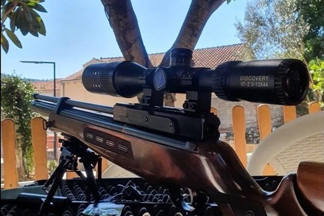 PCP Zračna puška Hatsan bt65 s optikom discovery 3-12x44 sa osvijetljenom končanicom