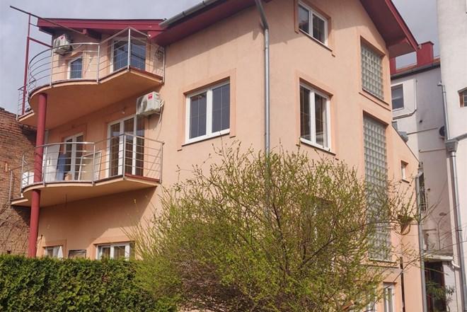 Centar - 4-soban stan s balkonom 88m2