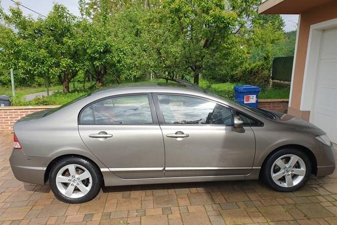 Honda Civic Sedan 1.8 VTEC 140 KS