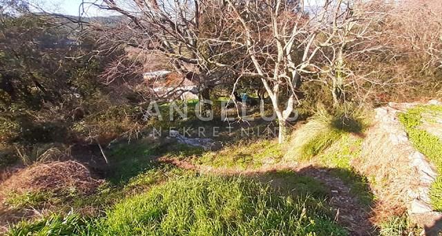 Korčula, Žrnovo - građ. zemljište, vrlo mirna lokacija na