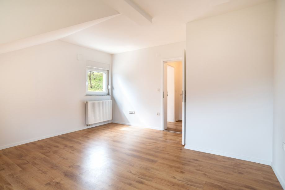 Kuća: Krapinske Toplice, 230.00 m2, 2 STANA, CENTAR 200 m ! Prodaja (prodaja)