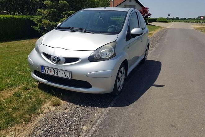 Toyota Aygo 1.0 *KLIMA*5 VRATA*CIJENA 2600 EURA I NIJE FIKSNA*0919883283