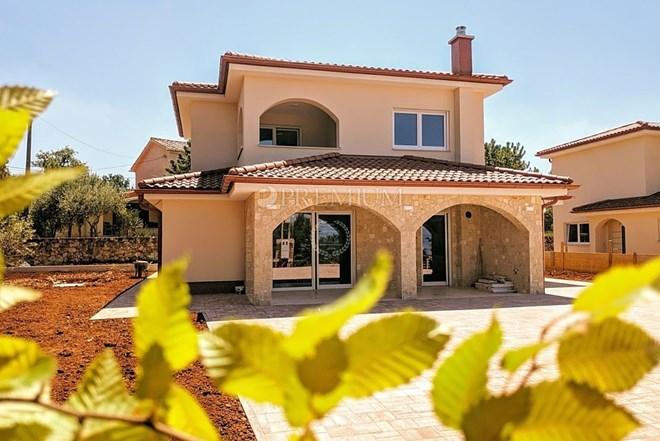 Okolica Malinske, prodaja novoizgrađene samostojeće kuće s o